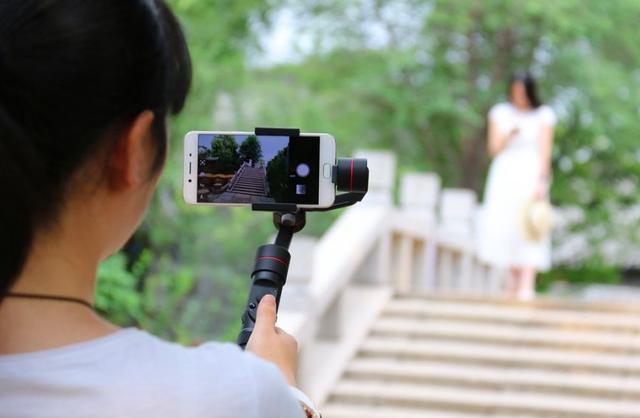 用这几个工具拍摄和制作,你的短视频也能播放过千万